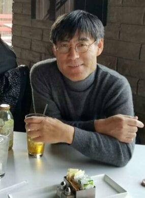 Doug (Duckjun) Lee