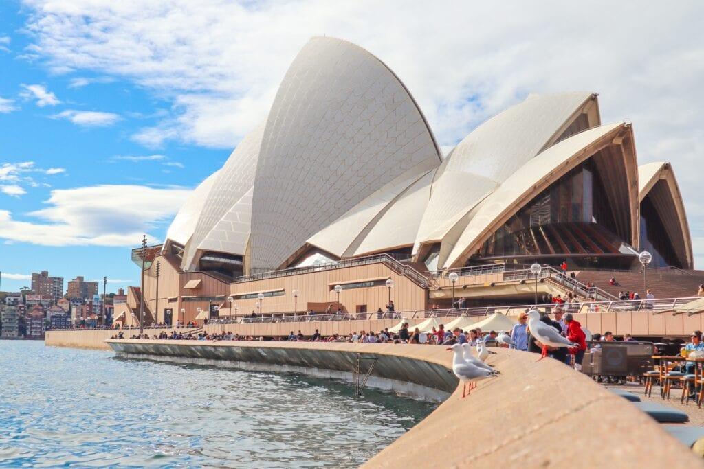 Why Aren't Australians Giving Overseas?